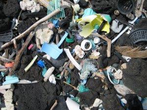 Plastic pollution ocean hawaii - PD NOAA